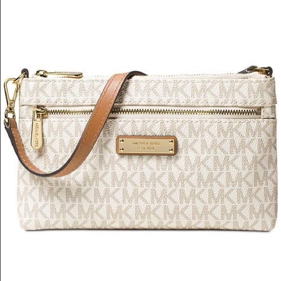 MICHAEL Michael Kors Handbags - SOLD❗️MICHAEL Michael Kors Large Logo Wristlet